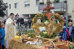 Erntedankfest in Neufeld, 04.10.2015