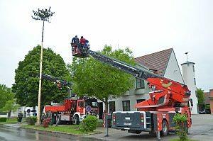 Maibaum der FF Neufeld, 11.05.2013