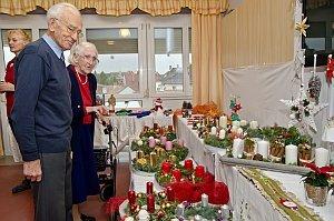 Weihnachtsbasar im Neufelder Pflegeheim, 20.11.2015
