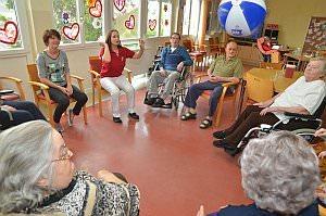Turnen mit StR Barwitius im Pflegeheim, 22.05.2013