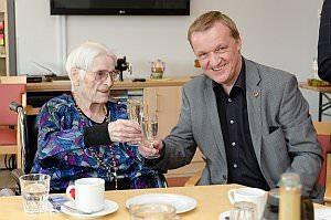 Angela Mliner feiert 101. Geburtstag im PKZ, 11.04.2014
