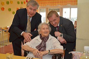 LT-Präsident Gerhard Steier zu Besuch im Pflegeheim, 22.03.2013