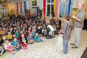 VS Neufeld: Konzert in der Schulaula, 23.12.2014